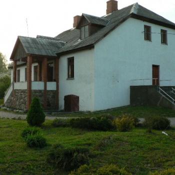 Viesu nams Ausmas